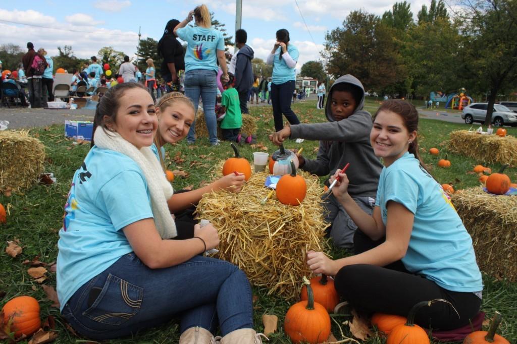 pumpkin painting girls