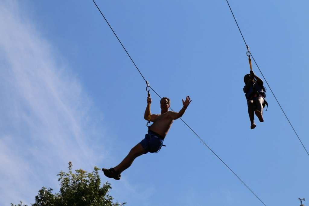 andy zipping